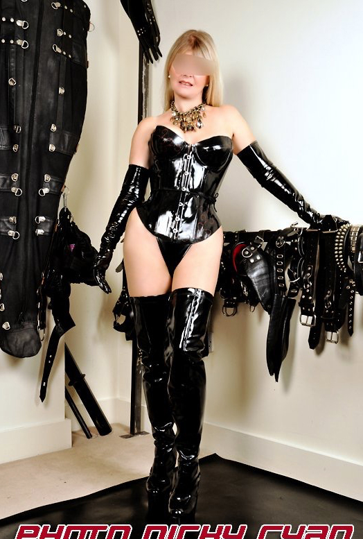 London-Mistress-Vanessa-PVC-corset