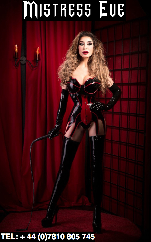 London-Mistress-Eve-holding-her-whip